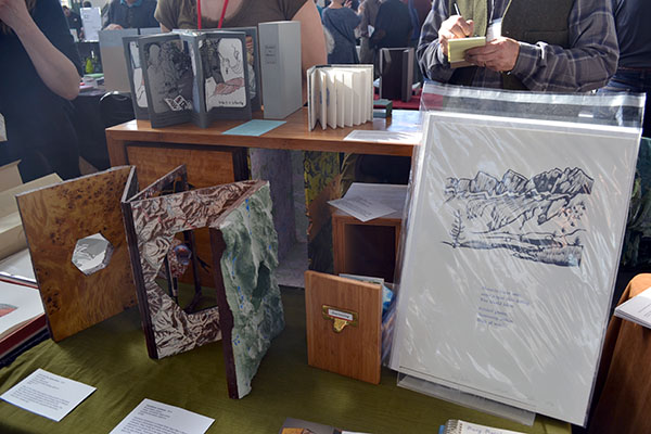 Quite contrary Press table display from USA